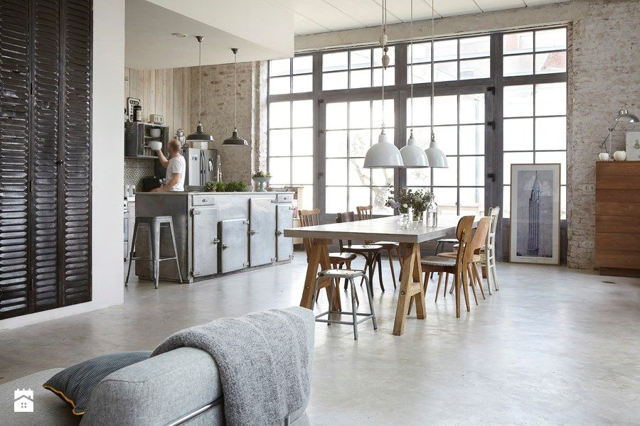 Lubiany styl industrialny - Średnia otwarta jadalnia w salonie, styl industrialny - zdjęcie od Ploneres.pl