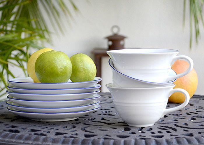 juego de vajilla de porcelana blanca