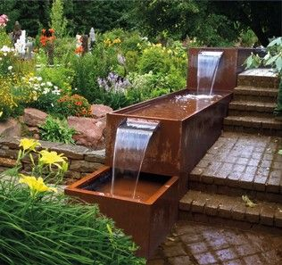 Brunnen Und Wasserbecken Aus Cortenstahl Stahl Fur Den Garten Und Das Heim Wasser Im Garten Wasserelemente Im Freien Brunnen Garten