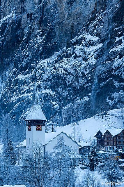 Lauterbrunnen Valley, Swiss Alps. View from Wengen to ...