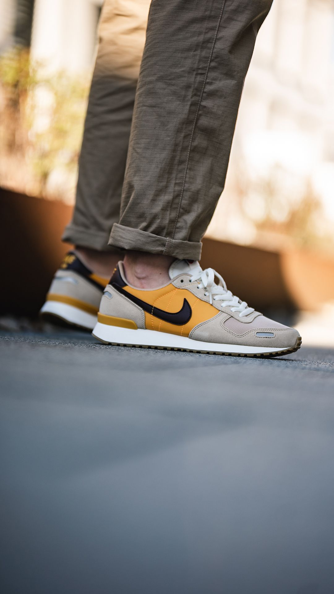 Nike Air Vortex (beige / yellow) | Schuhe