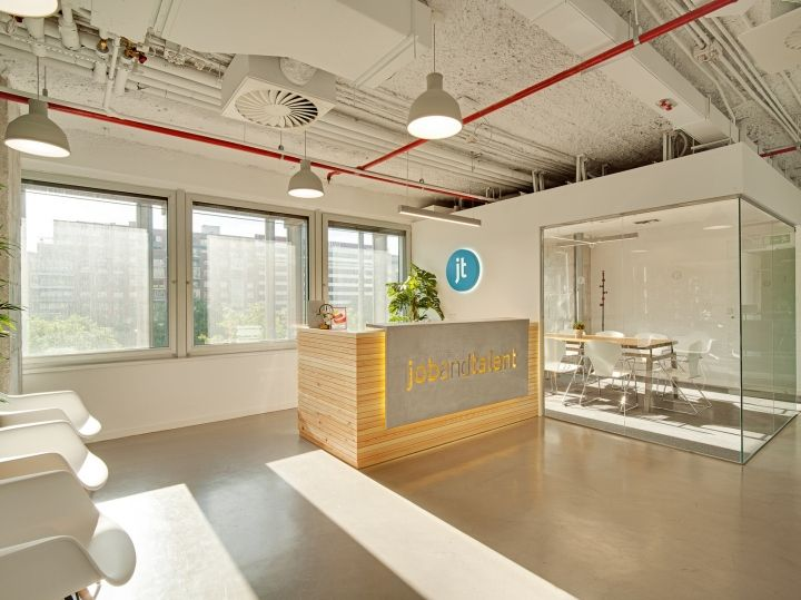 Bureaux Open Space Key : The key design elements were open spaces full of light an exposed