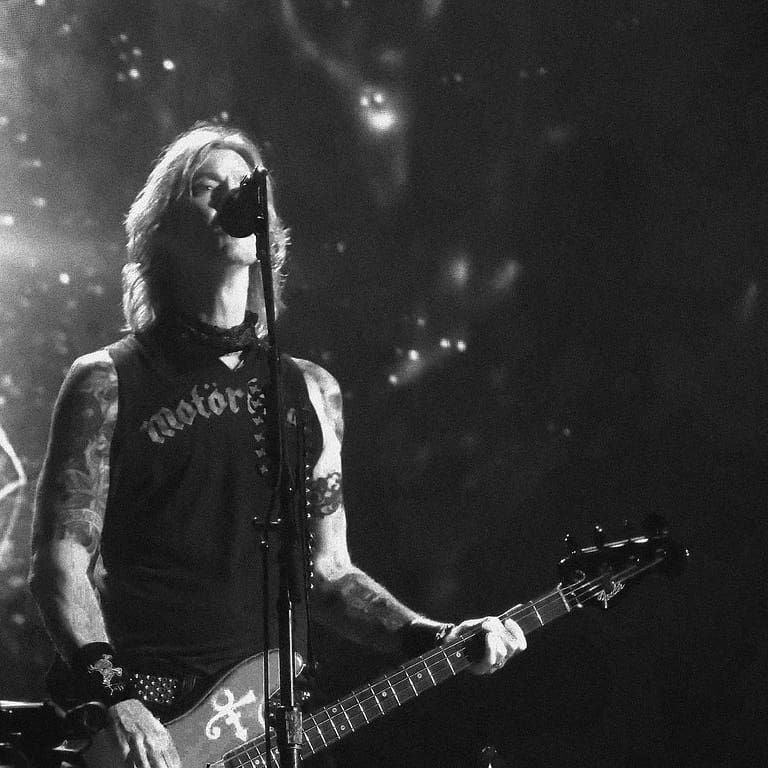 "GUNS N ROSES on Instagram: ""Black Hole Sun 🌑 . . . #notinthislifetime #notinthislifetimetour #gunsnroses #gnfnr #duff #duffmckagan #bass #bassist #show #concert #rock…"""