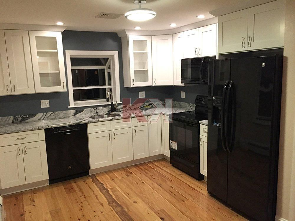 Ice White Shaker Cabinets by Kitchen Cabinet Kings (With ...