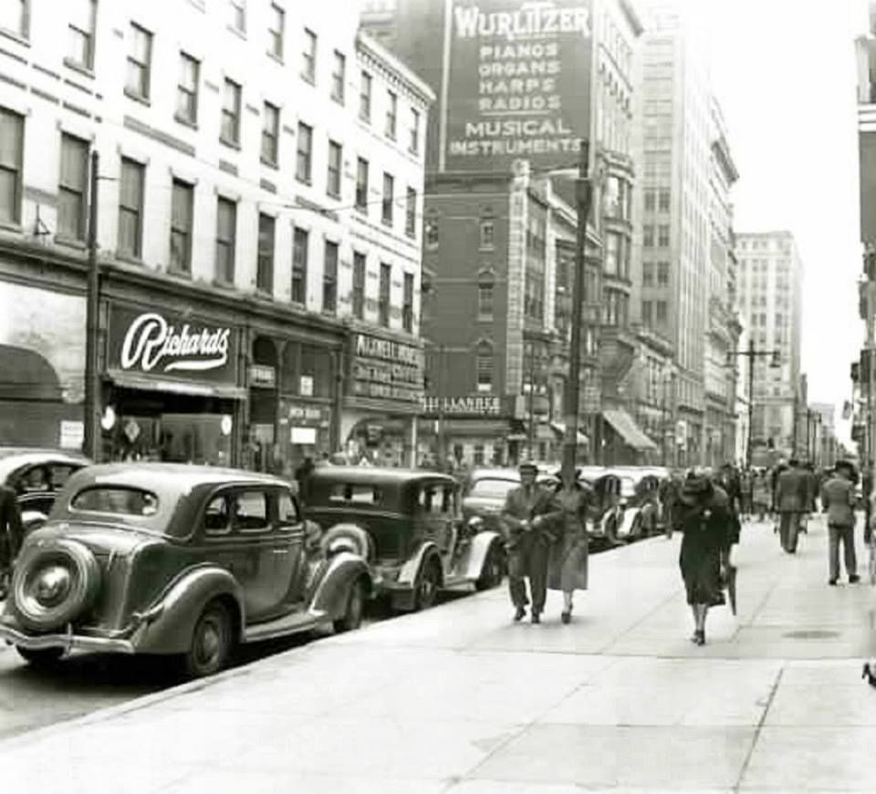 10th & Chestnut, Philadelphia, Pa. 1938 Historic