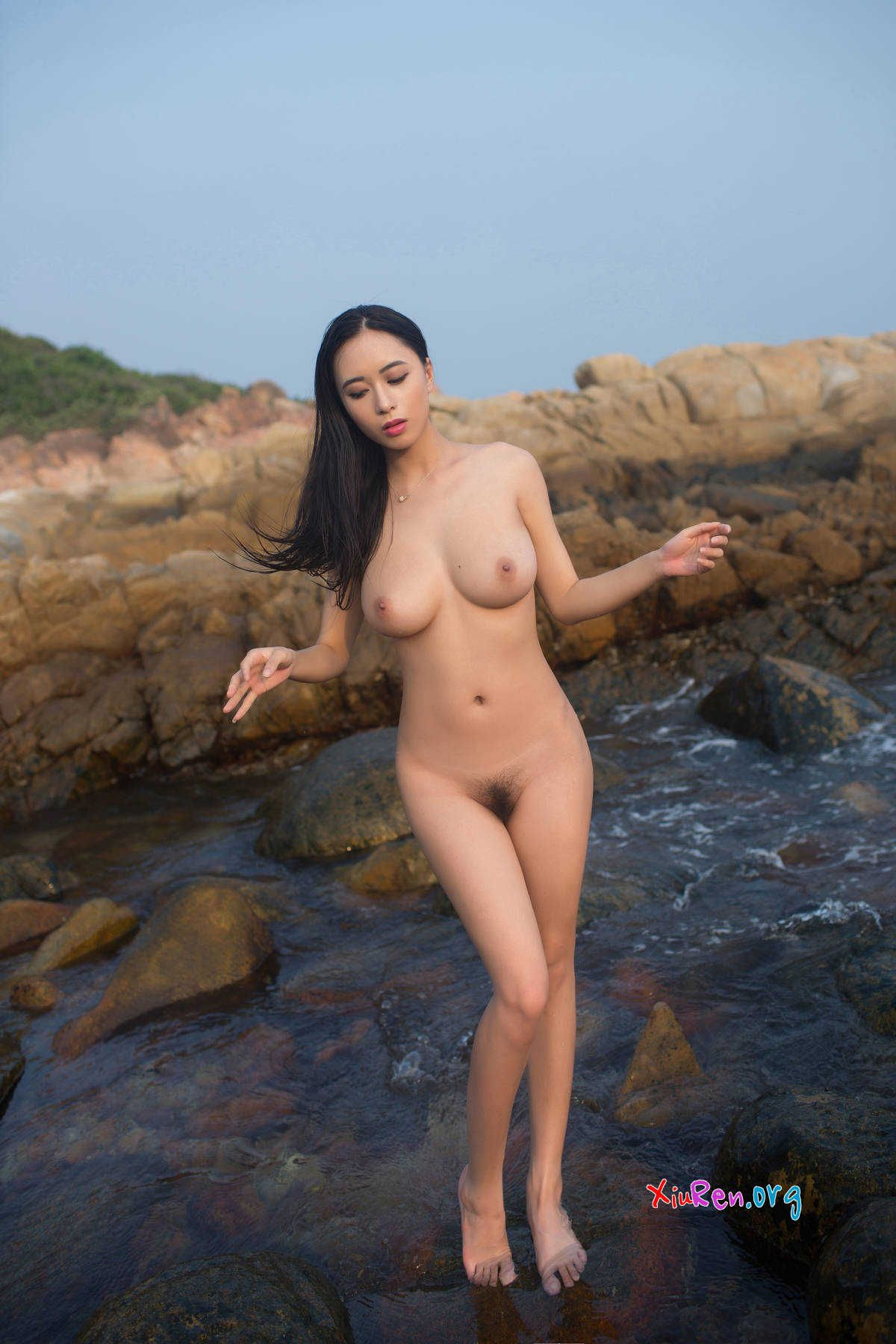 image Nice body chinese girl show on cam