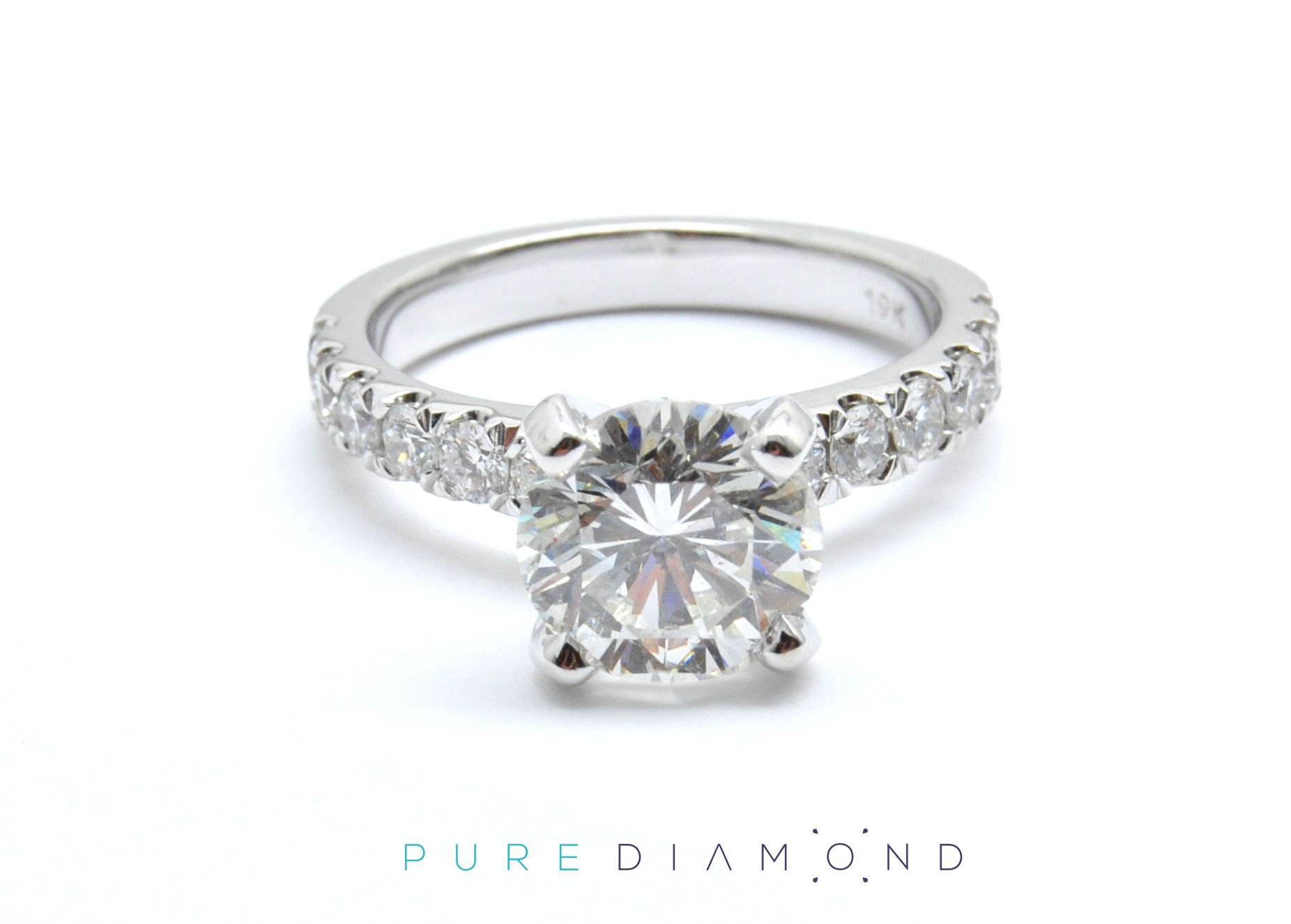 diamond round gold ring Engagement Vancouver NorthVancouver