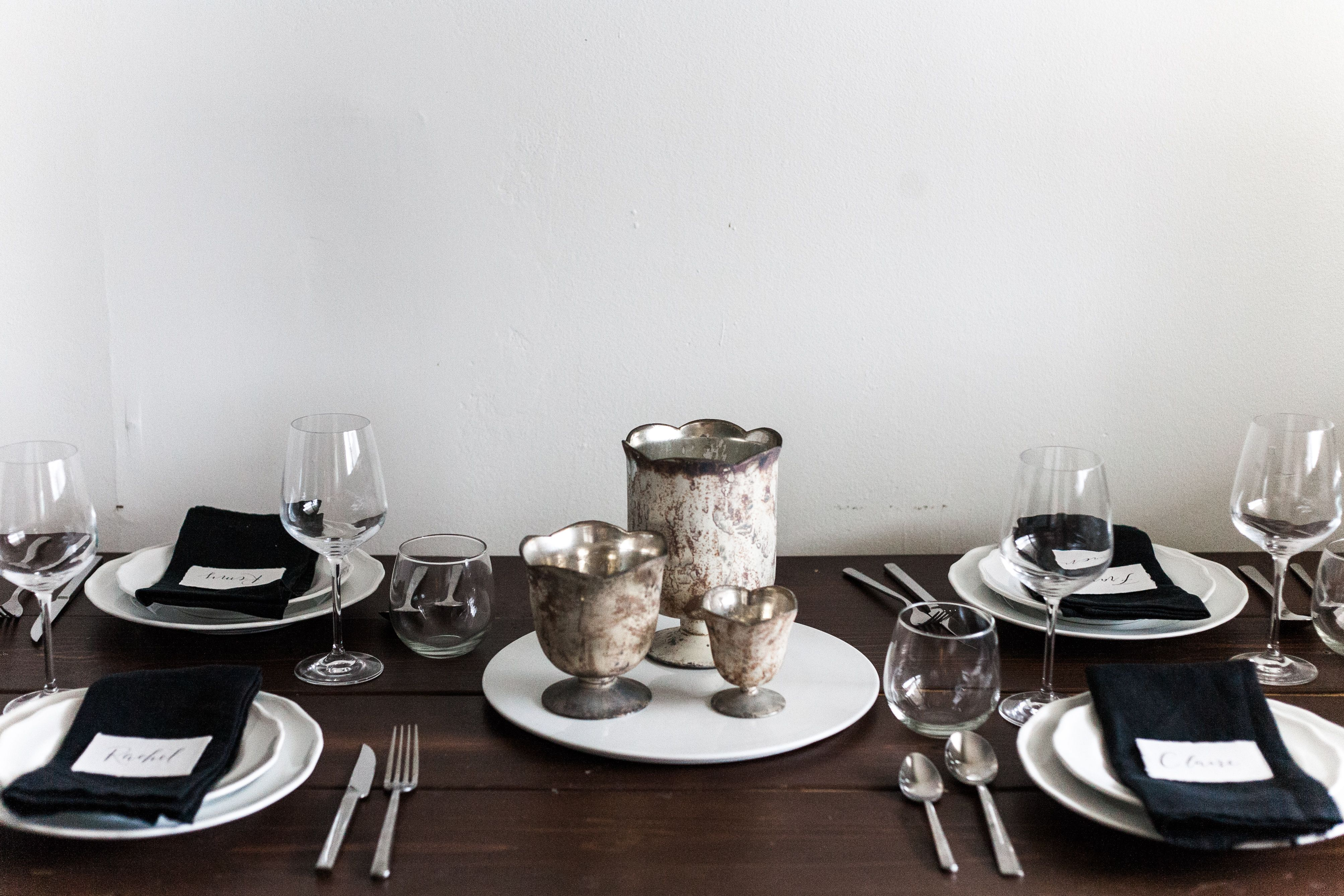 Antiqued White Compote Glass Vases | Centerpiece | Photography: Evergreen Flower Co. | Columbus, Ohio