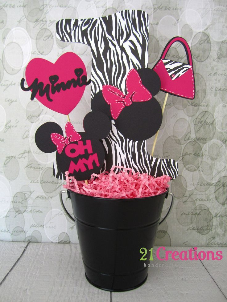 Minnie mouse birthday party idea bucket decorations