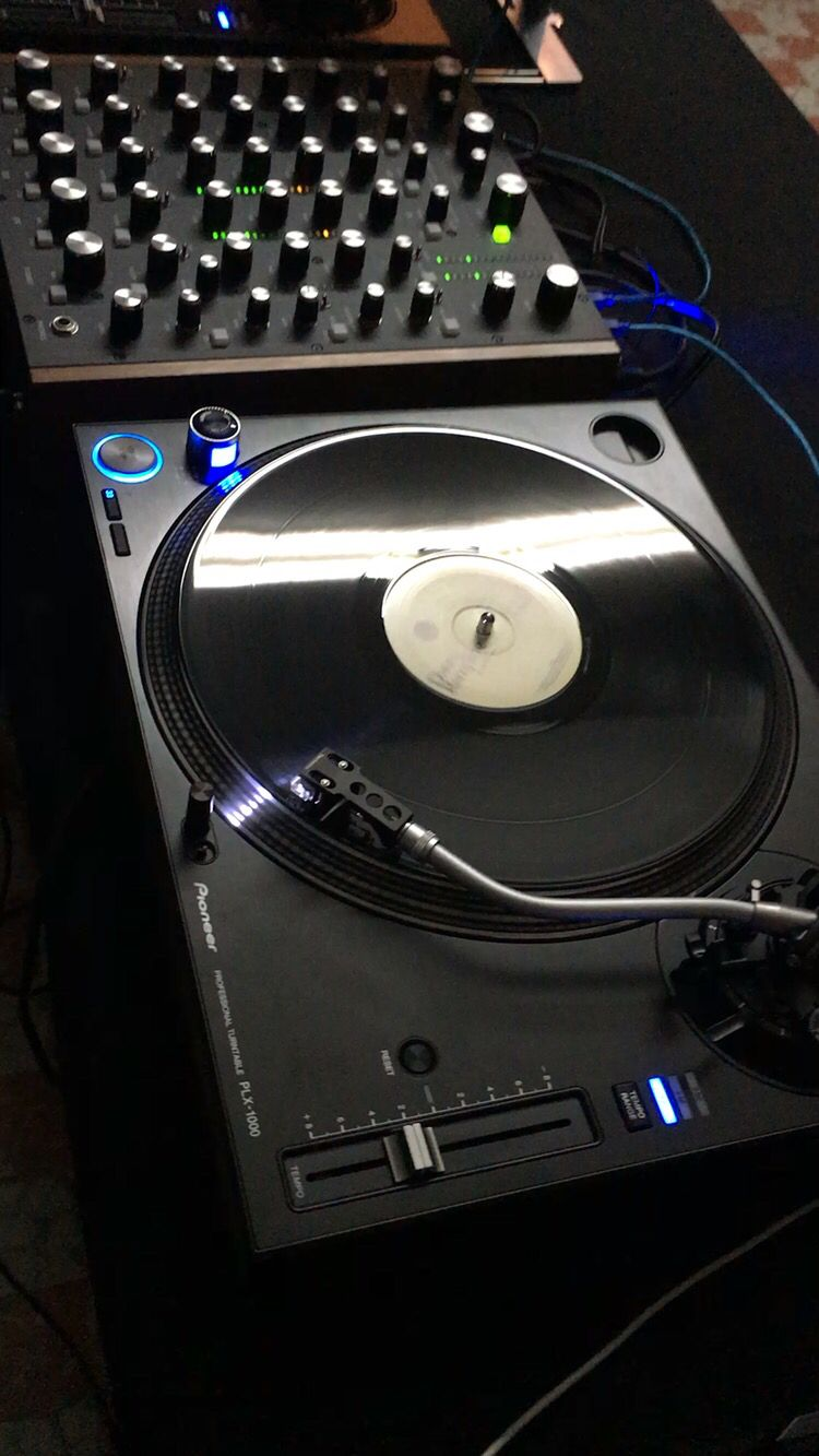 nothing compared to real vinyl pioneer plx 1000 and rane mp2015 music dj gear dj decks. Black Bedroom Furniture Sets. Home Design Ideas