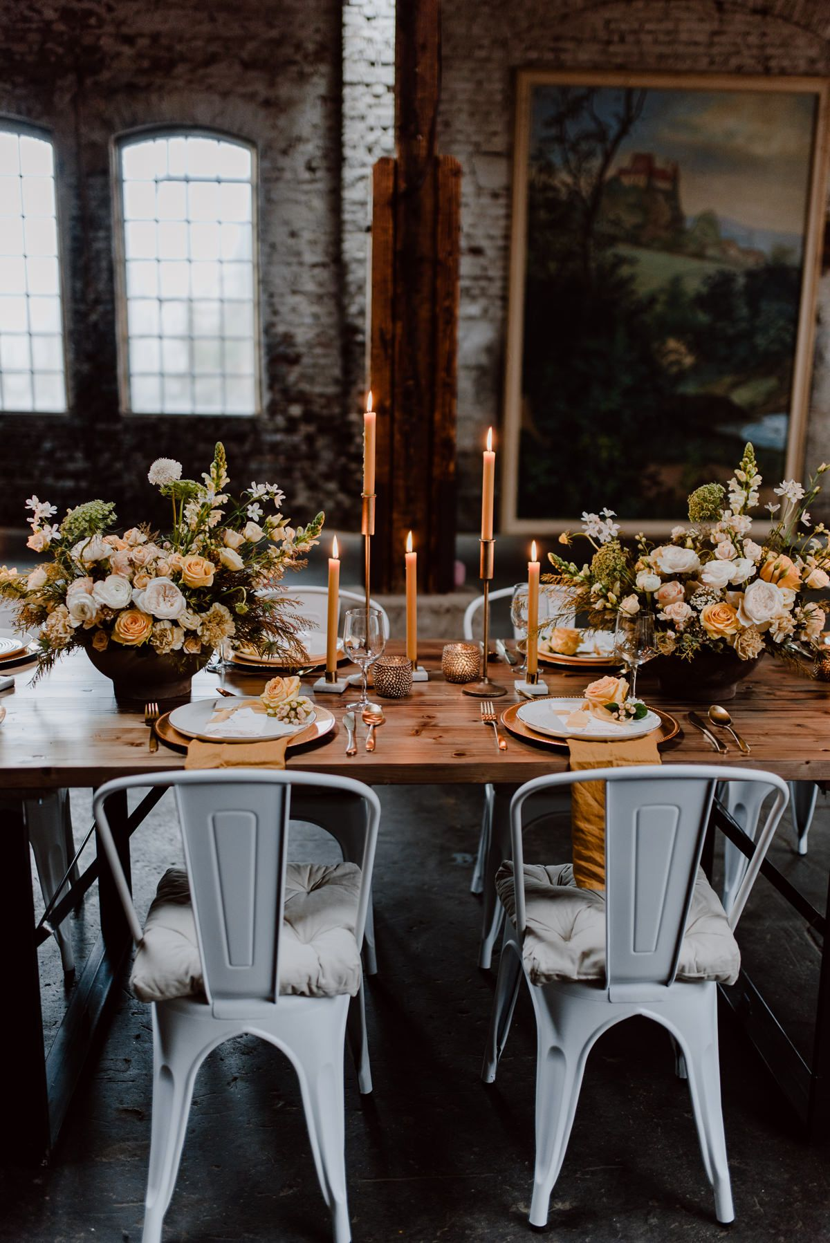 Romantic And Vintage Wedding Ideas Inspired By The Color Yellow Modern Wedding Inspiration Vintage Wedding Yellow Wedding Inspiration
