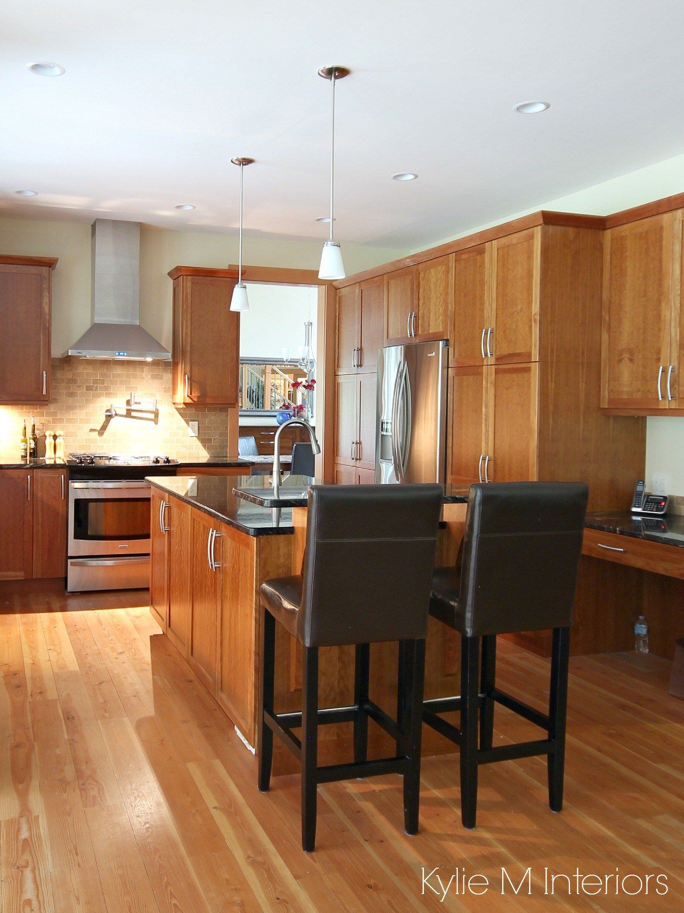 A Beautiful Wood And Granite Kitchen Design Cherry Cabinets Black Kitchen Countertops Black Granite Countertops