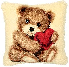 Teddy Holding A Heart  Latch Hook Cushion Front Kt