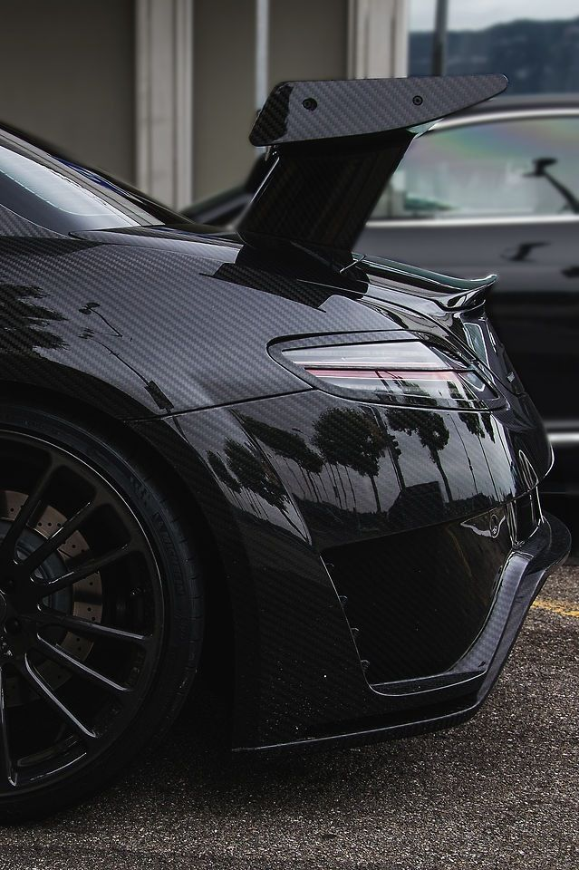 Mercedes sls amg locations for a c work 106 st tire for Mercedes benz northern blvd