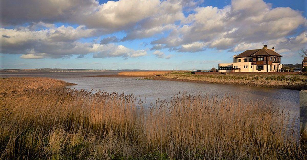 North Lincolnshire: Habitación doble de lujo con vista al mar para dos personas con desayuno y cena de 2 platos en 4 * Hope and AnchorImágenes efectiv... #AARosette #Cena #christmasdinner #con #dinnergrill