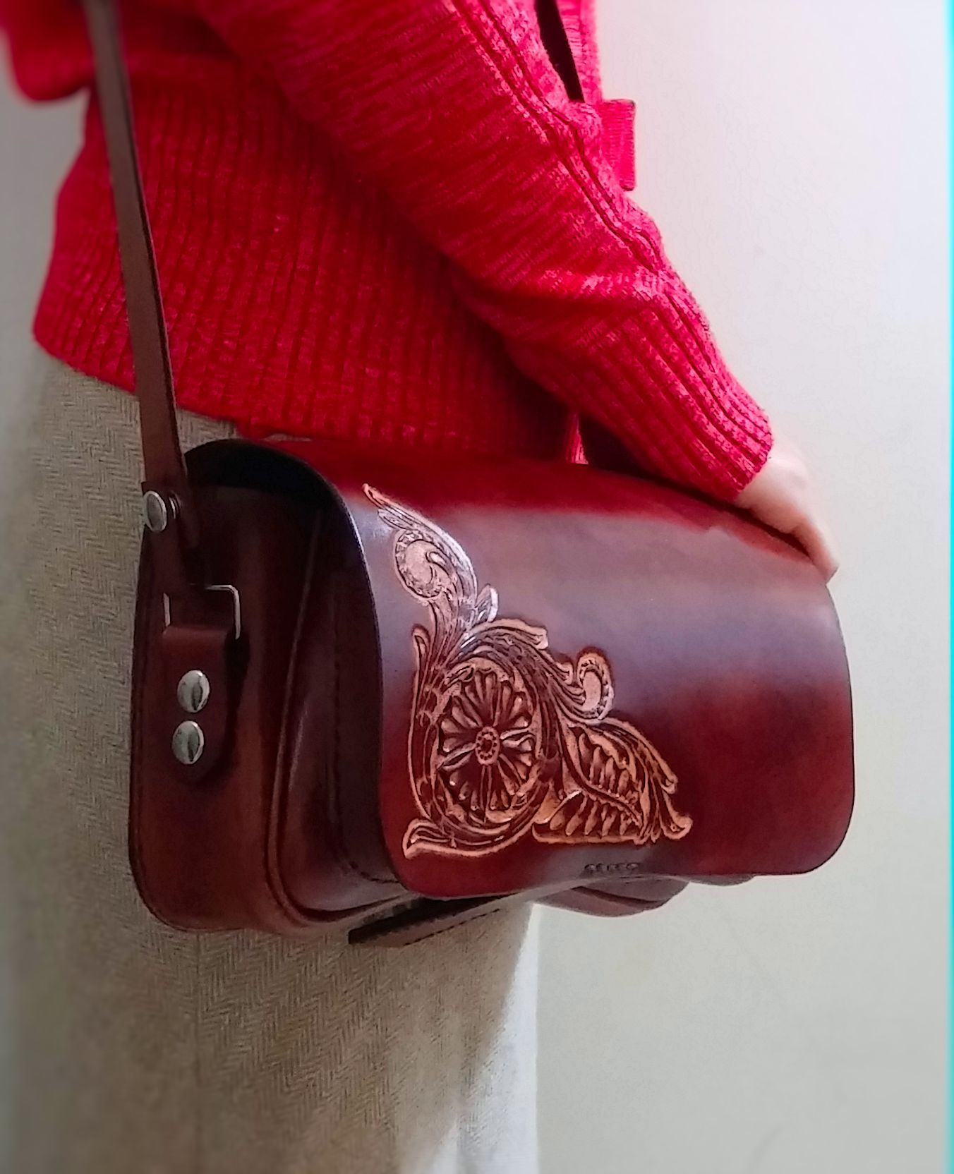 Handmade and tooled, ladies leather purse, by Fischer Workshops fischerworkshops.com
