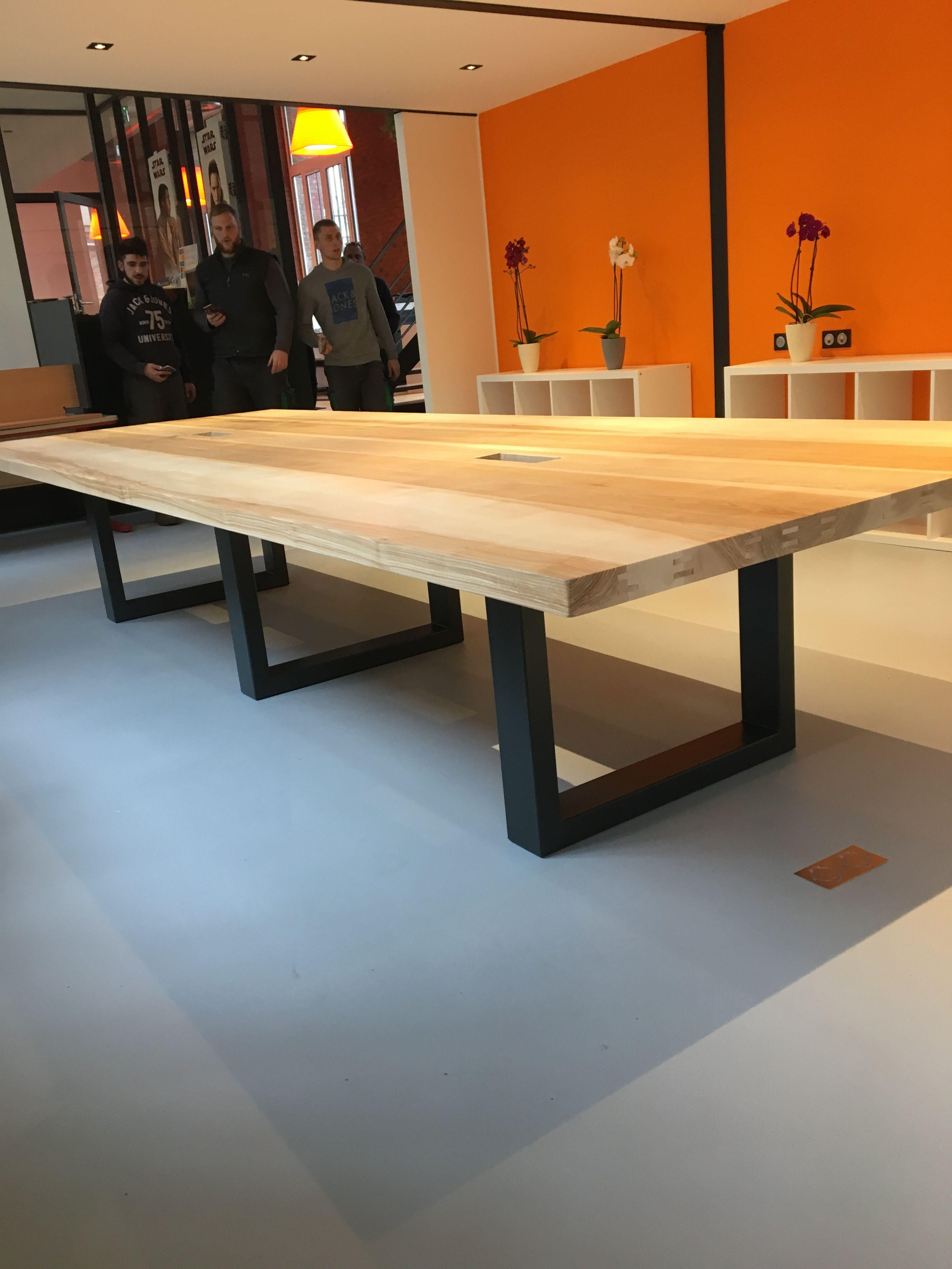 Table Industrielle De Salle A Manger Idees De Meubles Table De Reunion Table