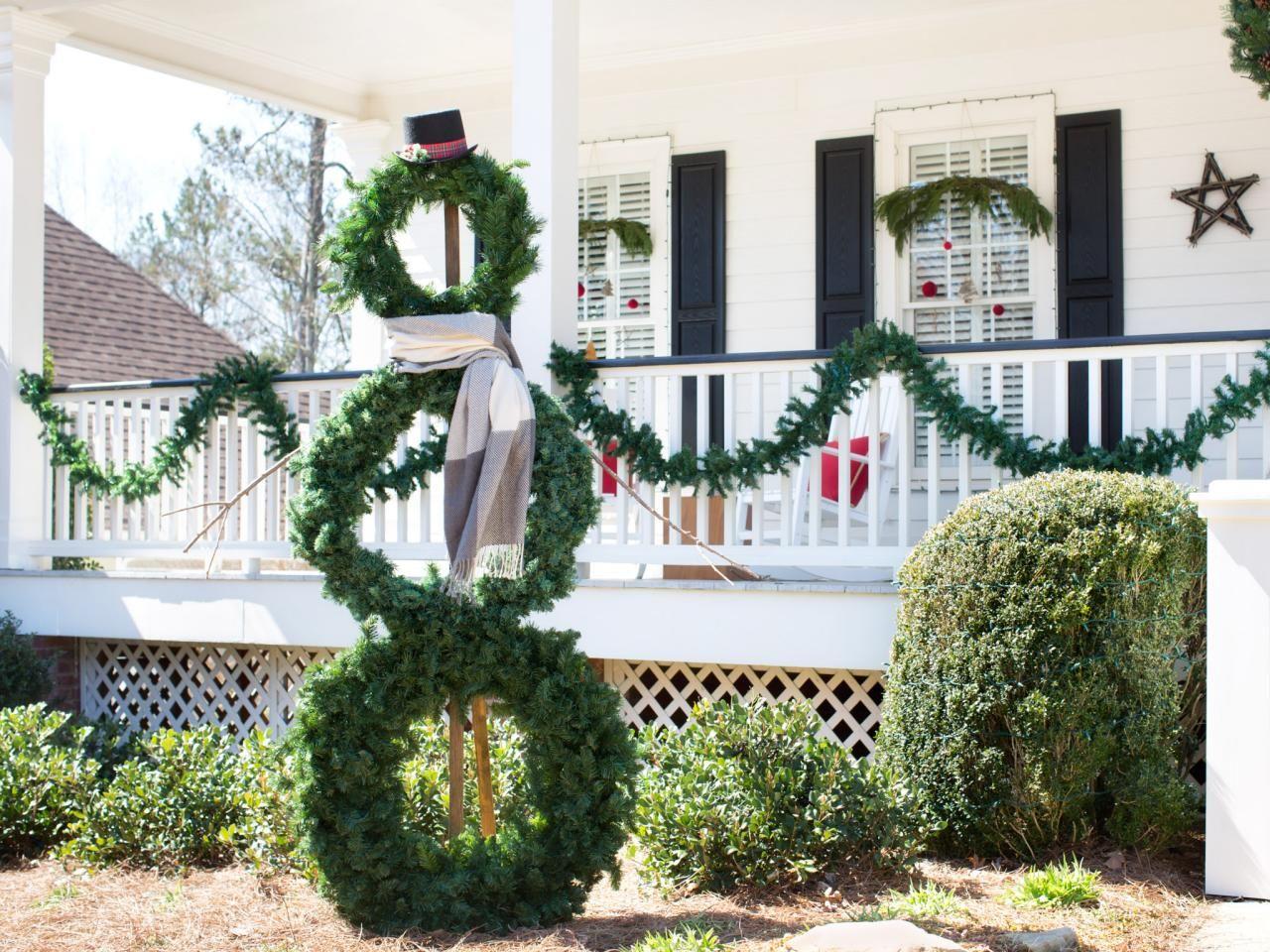 35 Crafty Outdoor Holiday Decorating Ideas Diy Christmas