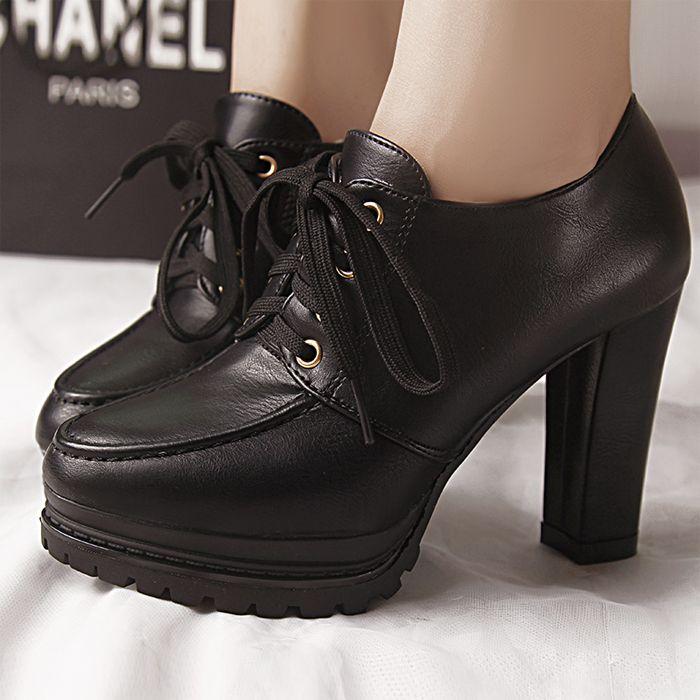 d818be379 Outono inverno estilo britânico moda all jogo ankle boots saltos grossos sapatos  botas plataforma martin mulheres botas de bico fino  8869 em Botas de ...
