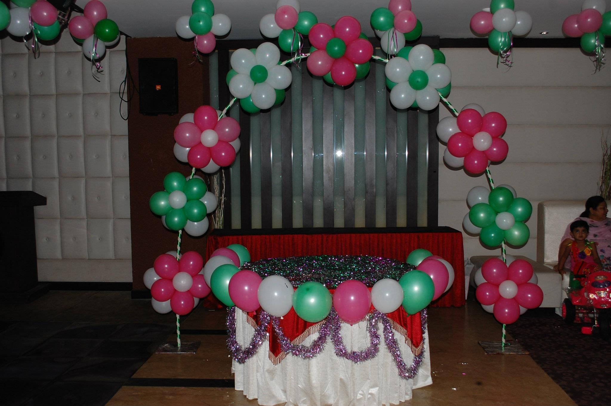Awesome balloon decoration globoflexia pinterest arcos - Lozano decoraciones ...