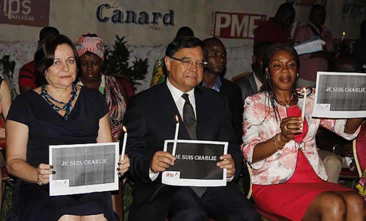 Côte d'Ivoire: La presse étrangère manifeste pour soutenir Charlie Hebdo - 10/01/2014 - http://www.camerpost.com/cote-divoire-la-presse-etrangere-manifeste-pour-soutenir-charlie-hebdo-10012014/?utm_source=PN&utm_medium=CAMER+POST&utm_campaign=SNAP%2Bfrom%2BCamer+Post