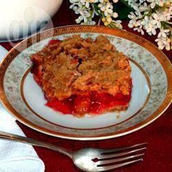Croustade à la rhubarbe et aux cerises @ qc.allrecipes.ca