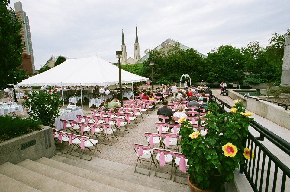 The Set Up At The Foellinger Friemann Botanical Conservatory In Ft. Wayne, A