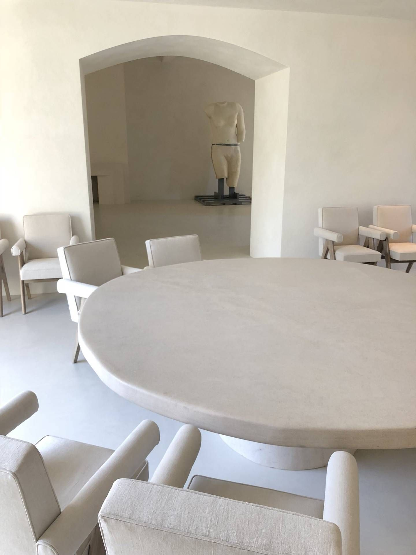 A First Look At Kanye West S Minimal La House Designed By Axel Vervoordt West Home Kim House Kim And Kanye House