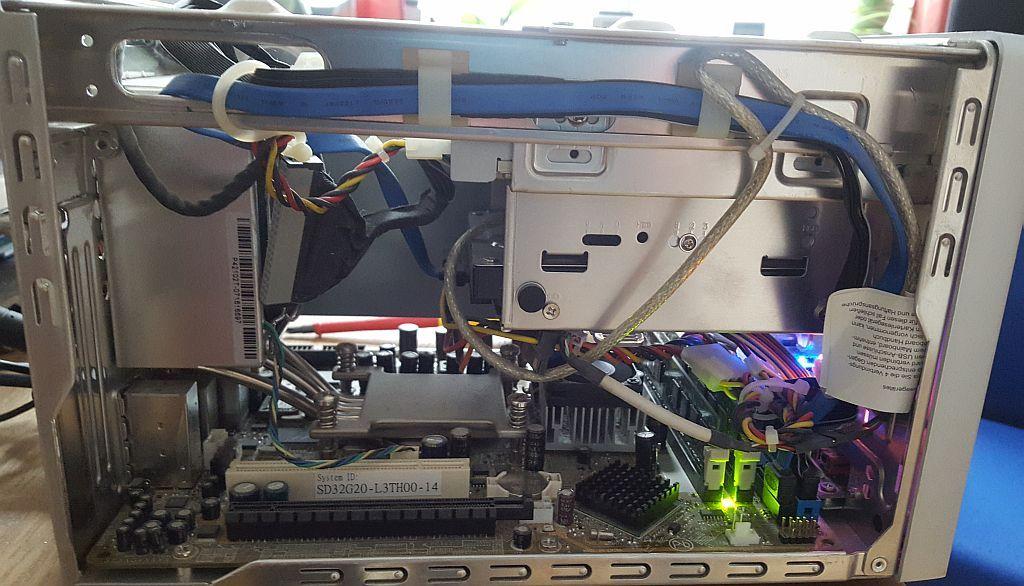 Hier ein Shuttle PC. Ein kleines Temperaturproblem wurde hier behoben.