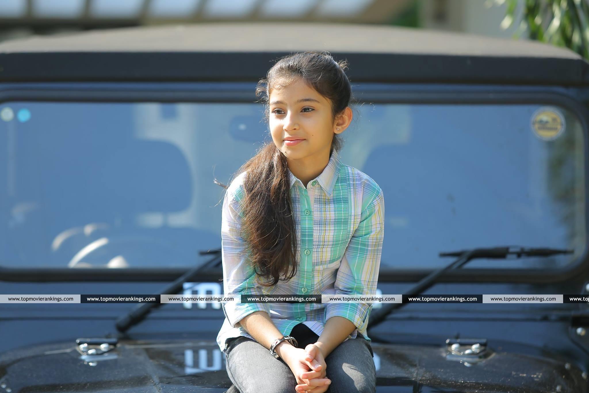 Cute Sara Arjun3312 Ann Maria Kalippilaanu Malayalam