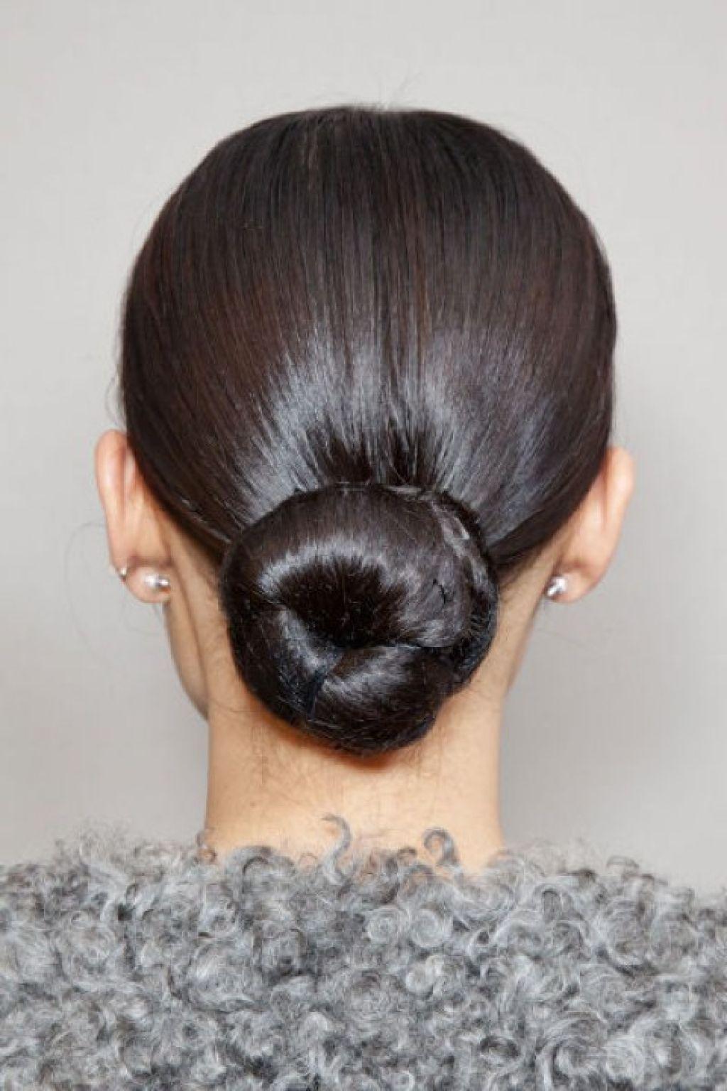 how to make ballerina bun with short hair
