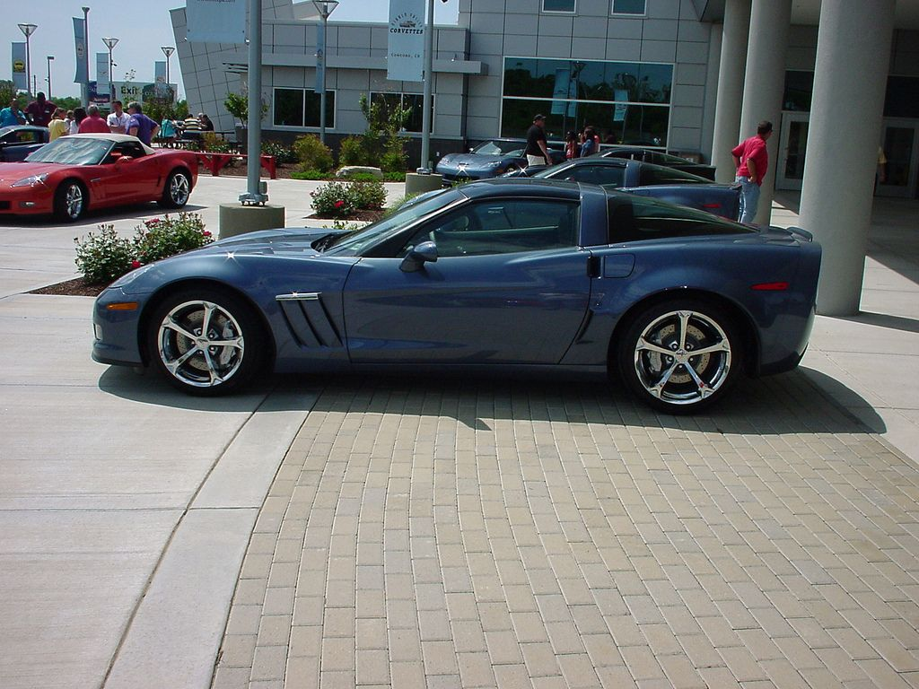 18 Chevy Corvette Zr1 112 000 The Pinnacle Of All Corvettes The 2012 Zr1 Proves To Be Pure Bred All American Muscle Corvette Corvette Zr1 Chevy Corvette