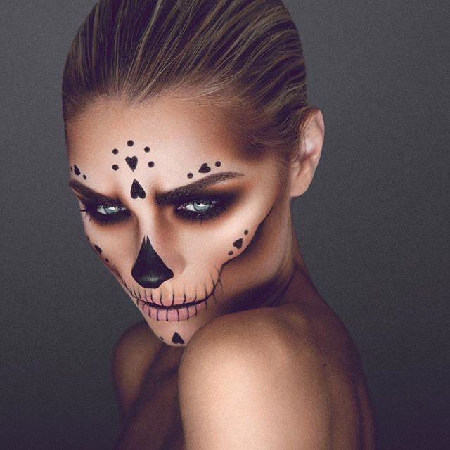 Make Up Halloween Ideas.Halloween Ideas Queen Of Hearts Skull Candy Make Up For