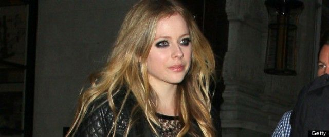 Avril Lavigne Suffering from Lyme Disease	Rock singer Avril Lavigne uncovered in a meeting with People magazine that she has been experiencing a serious instance of Lyme infection that left her so depleted now and again that she couldn't get up.  : ~ http://www.managementparadise.com/forums/trending/281931-avril-lavigne-suffering-lyme-disease.html