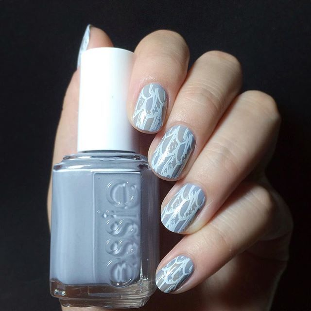 Feathers nails by @jeansaberin on Instagram using Messy Mansion Nail Stamping Plate MM14