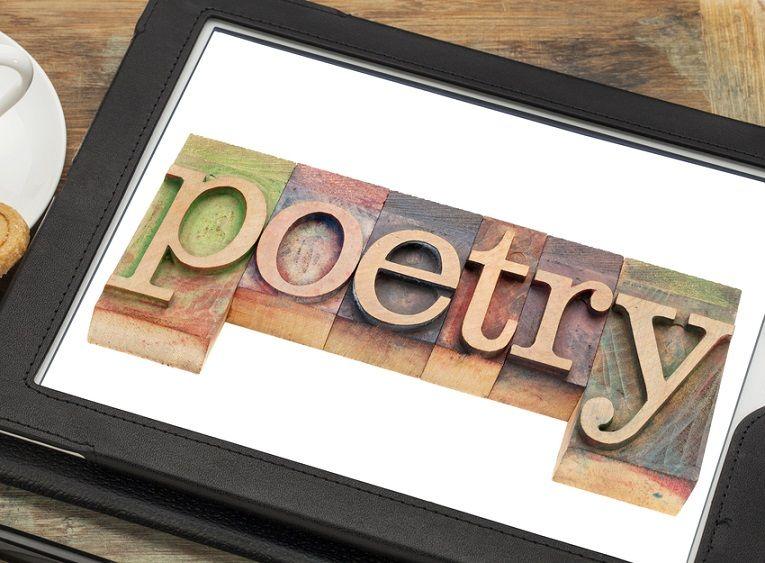 Por José A. Vázquez Hablamos mucho de edición digital y de nuevas narrativas, lo cual parece que supone, implícitamente, que todo lo que tiene que ver con el formato digital y sus variantes tiene que ver con la ficción, ensayo, manuales, etc. Pero ¿qué pasa con la poesía digital, o la poesía en este formato?... Read More