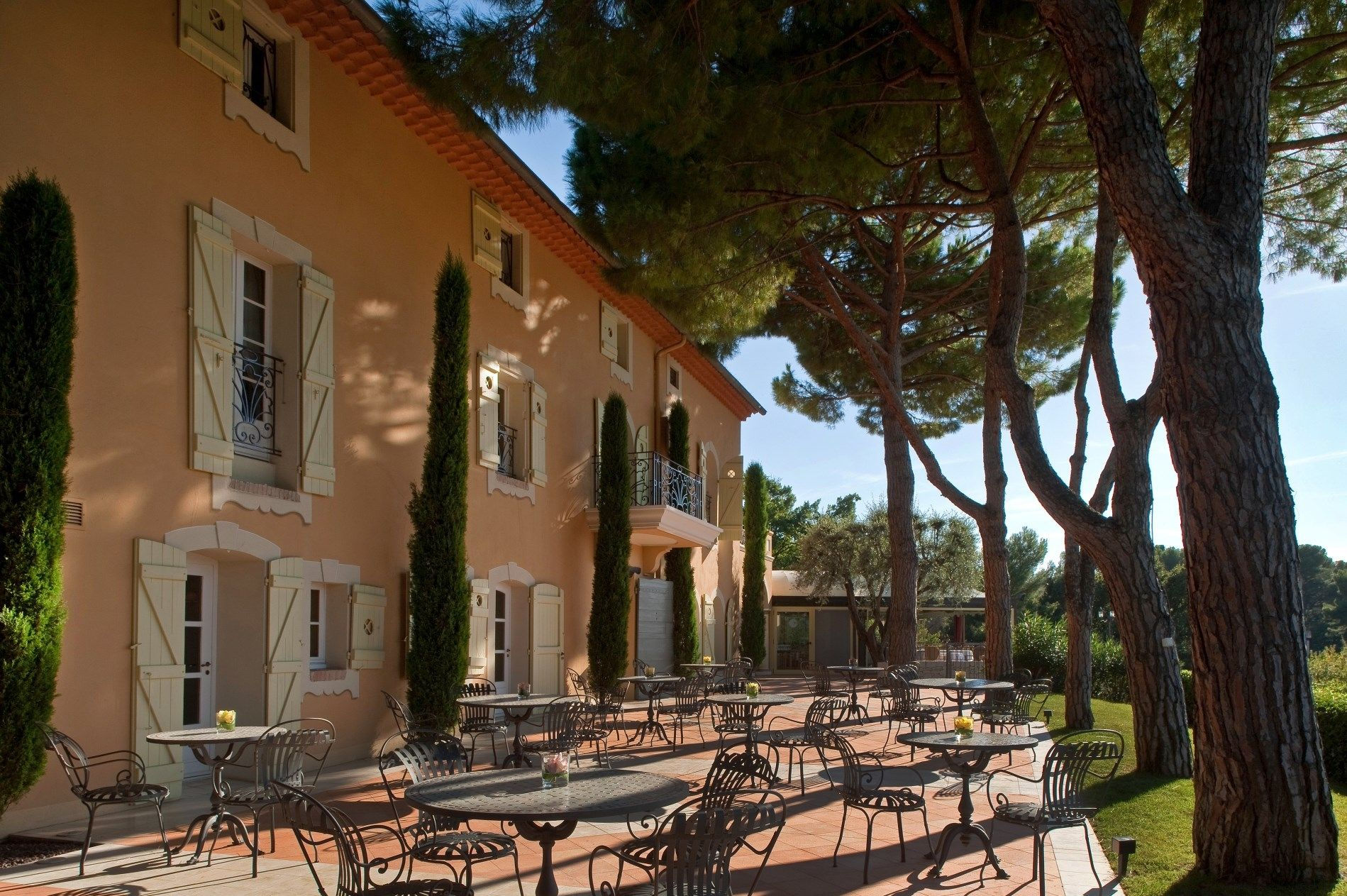 Le Mas Candille Small Hotel Set In A Wonderful Park In Provence