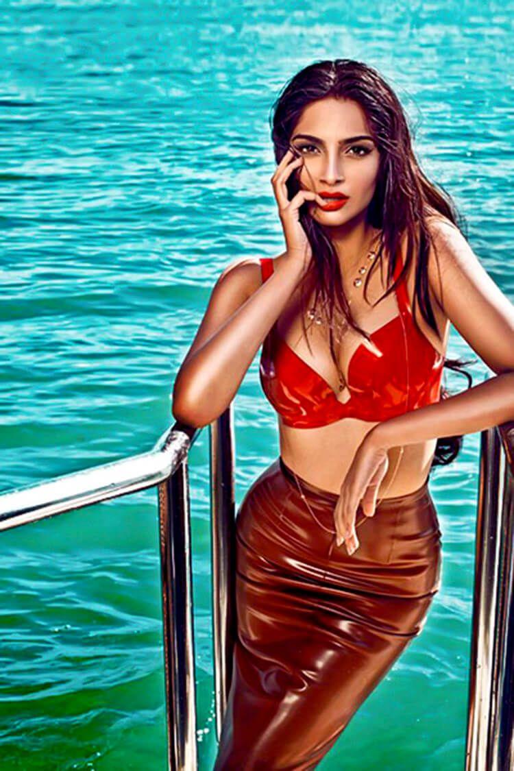 underwear Bikini Sonam Kapoor naked photo 2017