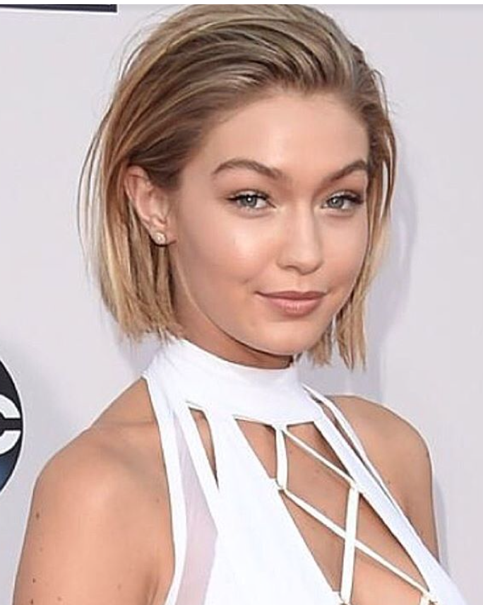 Gigi Hadid Bob Ama S In 2019 Bombshell Hair Short