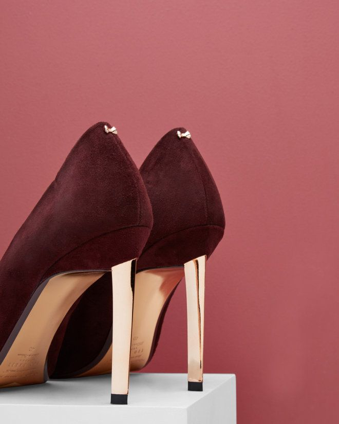 Brooch Detail Court Shoes - Oxblood