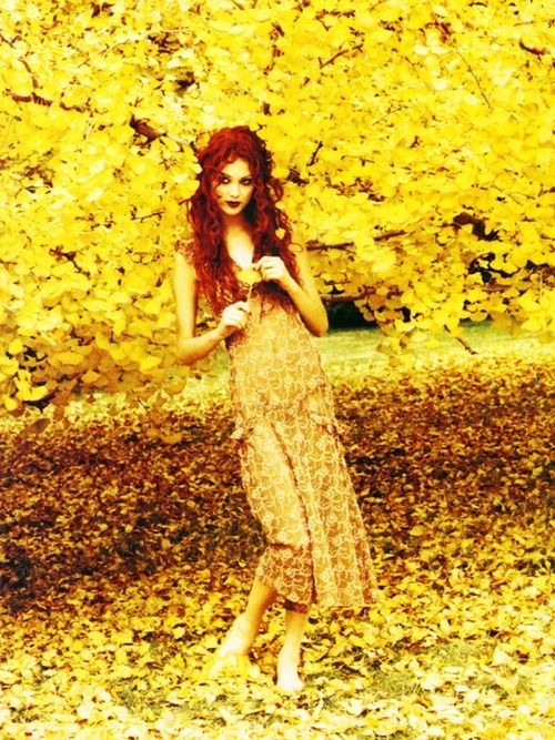 ❀ Flower Maiden Fantasy ❀ beautiful photography of women and flowers - Shalom Harlow by Ellen Von Unwerth for Vogue US