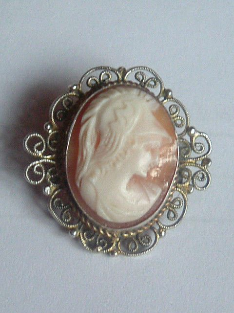 SMALL CAMEO BRITANIA early 1900s SILVER FILIGREE BROOCH EXCELLENT CONDITION