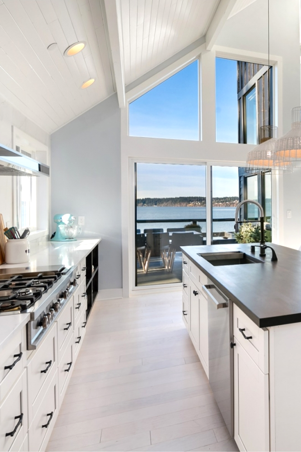 Revisit The Hgtv 2018 Dream Home Love Water Front Homes Explore Modern Design And Contemporary Decor Throughout Spot Floor To Ceiling Windows