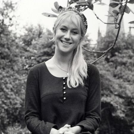 Pictures of young helen mirren 12