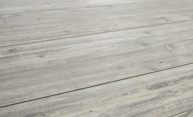 Sol stratifié HYDROFLOOR, pin grisé brossé, lame 16,7 x 120 cm | Saint Maclou
