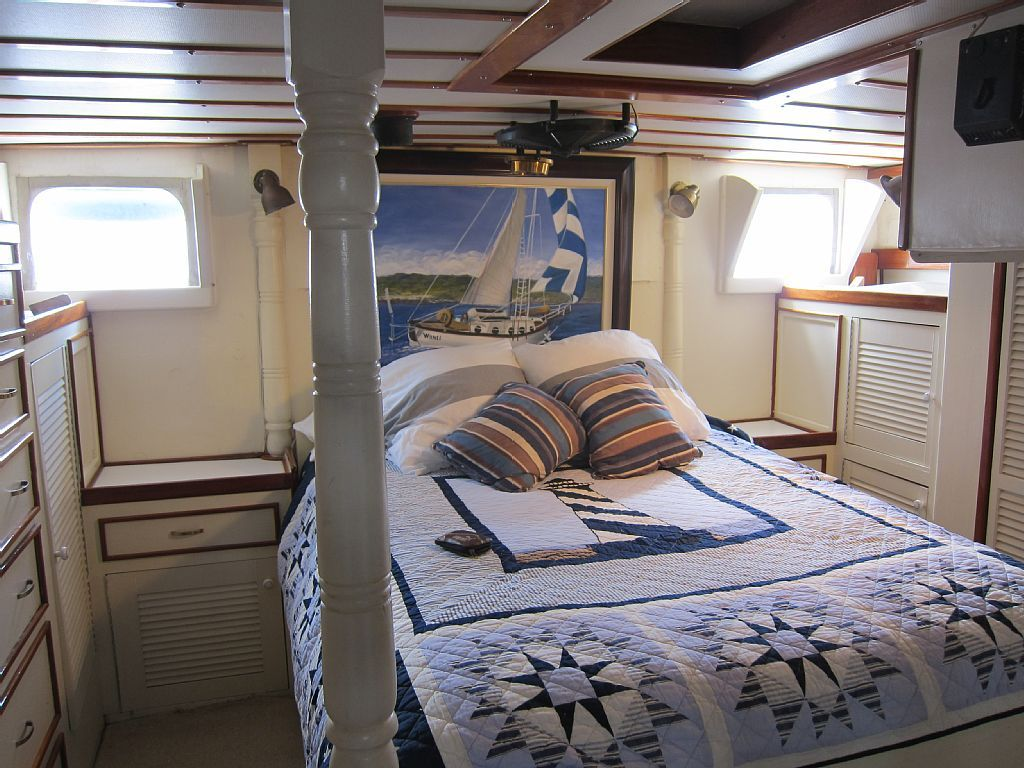 Providence House Boat Rental: Houseboat/ Yacht Rental In Downtown Providence | HomeAway