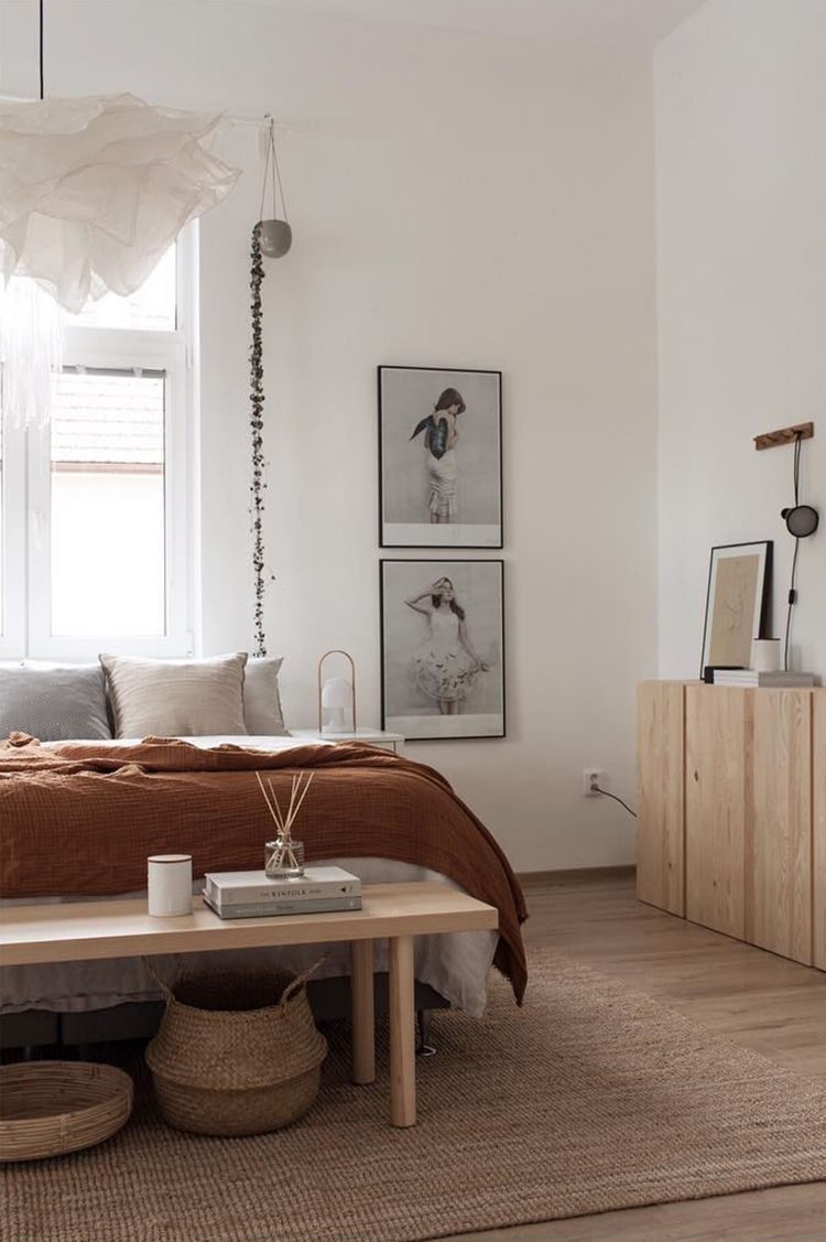 The warm and cozy home of Lucie of The Aesthetic Eye #minimalisthomedecor