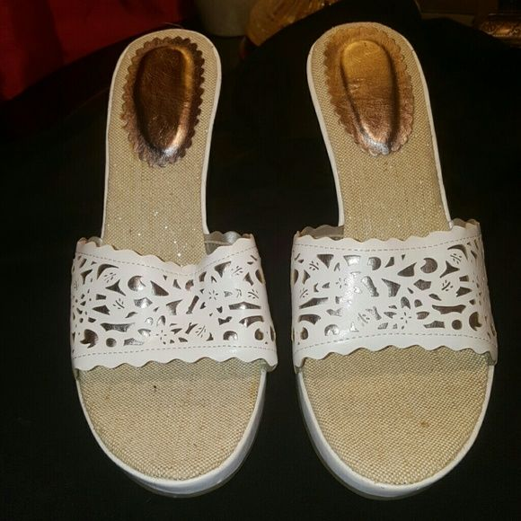Wedge shoes size 10 White leather Cross toe Shoes Wedges