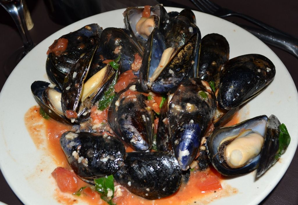 Mussels with mustard seeds and shallots Recipe