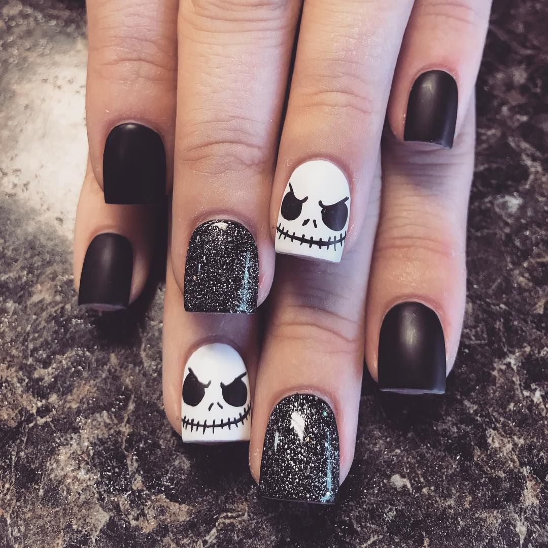 30 Amazing and Creative Halloween Nail Art Designs #onlineclasses